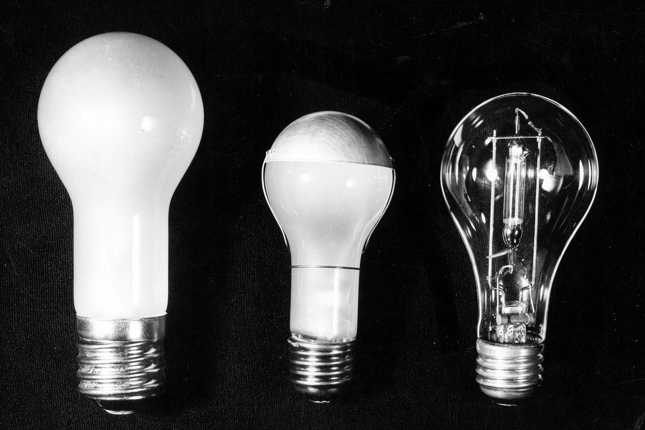 GE rút khỏi mảng lighting